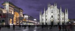 Plaza del Duomo de Milán (jlnavarro76) Tags: milán duomo piazzadelduomo nocturna noche movimiento tokina1116 granangular nikond3300 11mm luces lila violeta galeriasvittorio catedral italia italy edificio gente cielo arquitectura milano iglesia plaza
