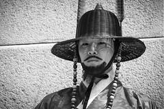 The guard (Seoul) (frank.gronau) Tags: gronau frank alpha sony schwarz weis white black mann man korea seoul wache guard