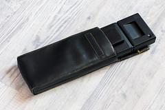 Pochette pour polaroid (Elowdi) Tags: pochette accessoire skai néoprène noir couturesjaunes scratch rabat rétro polaroid