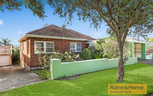 10 Trewilga Av, Earlwood NSW 2206