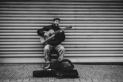 six strings   l  2018 (weddelbrooklyn) Tags: utrecht streets streetphotography singer guitar guitarist music musician people nikon d5200 35mm streetfotografie sänger musik musiker gitarre gitarrist menschen leute schwarzweiss einfarbig monochrom blackandwhite monochrome