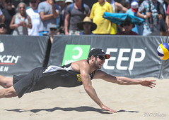 Huntington-FT4I5070 (Pacific Northwest Volleyball Photography) Tags: beachvolleyball huntingtonbeach huntingtonbeachopen avp fivb probeachvolleyball