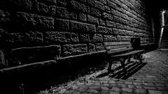 lonely bench - schöne Aussicht! (schmitzcoesfeld) Tags: mainufer frankfurt nacht nachtaufnahmen skyline frankfurtammain hessen deutschland de sonyflickraward black white bw sw schwarzweiss treppe bank