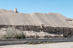 The Mogao Grottoes (10b travelling / Carsten ten Brink) Tags: 10btravelling 2017 asia asian asien buddhist carstentenbrink china chine chinese dunhuang gansu gansucorridor gansuprovince grottoes hexi hexicorridor iptcbasic mogao prc peoplesrepublicofchina silkroad corridor grotto history oasis province tenbrink 中华人民共和国 中国 甘肃