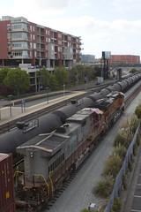 BNSF 686 (imartin92) Tags: emeryville california bnsf railroad railway freight train ge generalelectric es44ac gevo atsf santafe warbonnet c449w dash9 locomotive