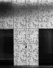20180514_0360_7D2-33 Elevator lobby (134/365)