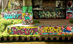 amsterdam graffiti (wojofoto) Tags: amsterdam graffiti streetart nederland netherland holland wojofoto wolfgangjosten hof halloffame legalwall flevopark amsterdamsebrug