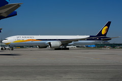 VT-JEU (Jet Airways) (Steelhead 2010) Tags: jetairways boeing b777 b777300er vtreg vtjeu yyz