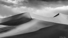 (weixiao11111) Tags: deathvalley sanddunes sky clouds blackandwhite