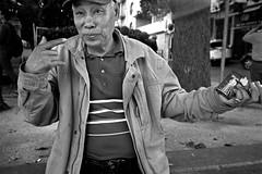 Chinatown, San Francisco (Dave Glass . foto) Tags: sanfrancisco chinatown chinatownsf chinatownsanfrancisco portsmouthsquare washingtonstreet streetphotography street konicawide28 konicazup28w kodaktmax400 35mmfilm