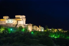 #Torrechiara #Castle #Night #Italy #Parma (gabriele.785) Tags: night castle nikon open building lights forest torrechiara parma italy emiliaromagna dreams nature vivid brillant bright silent darkness black history architecture nightphotography castelli castles ruines heritage colors