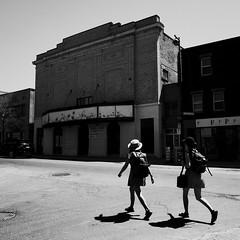 Il n'y aura plus de spectacles ici... (woltarise) Tags: bâtiment cinéma salledespectacles louervendre époque quartier sainthenri montréal populaire rue notredame ricohgr