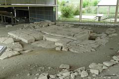 Aiani Royal Necropolis, Tomb D (1).JPG (tobeytravels) Tags: macedon macedonia alexanderthegreat alexandrthe3rd archaic classical cist grave pitgraves bronzeage