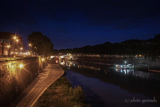 Nocturnal Atmosphere on the Tiber River