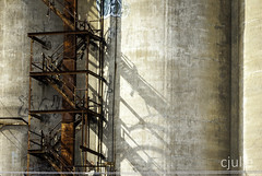 oblique (cjuliecmoi) Tags: canallachine montréal industriel industrial architecture silos industrie