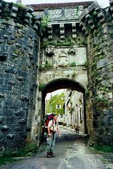 Onderweg naar Spanje in Vezelay (Don Pedro de Carrion de los Condes !) Tags: donpedro pelgrimage pilgrim pelgrim pelerinage vezelay santiago gr65