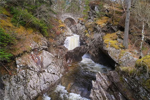 Falls of Bruar: Approach