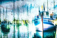 Débarbouiller le gris (Fabrice Le Coq) Tags: bateaux voiliers mer port ciel eau océan mats chalutier pêche vert jaune couleurs trouble floue