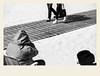 Regarder passer (Napafloma-Photographe) Tags: 2018 architecturebatimentsmonuments bandw bw bã¢timents france gã©ographie hautsdefrance landscape letouquet mã©tiersetpersonnages pasdecalais paysages personnes techniquephoto blackandwhite boutique monochrome napaflomaphotographe noiretblanc noiretblancfrance photographe plage province sable