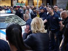 Naples - E lente 'e Cavour * (Christian Lagat) Tags: italy naples napoli rue street viatoledo arrestation arrest mouvementée turbulent police foule crowd italie elenteecavour