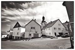 Obergasse, Herbstein (BKFofOF) Tags: irix 15mm nikon d610 fx vogelsberg hessen herbstein bw blackandwhite monochrome