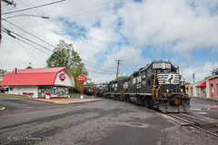 NS EMD GP38-2 #5312 @ Morrisville, PA (Darryl Rule's Photography) Tags: aestaley cpdq cpwestlang dairyqueen delmorrave emd freight freightcar freighttrain freighttrains ge gevo gp382 langhorne liteengines local m7g mor1 mixedfreight morrisville morrisvilleline ns norfolksouthern railroad railroads staley staleylocal streetrunning train trains trentoncutoff westbound ypmor1