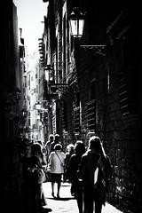 Streets of Barcelona (1) (Salva Pagès) Tags: barcelona calle carrer street streetphotography blancoynegro blancinegre blackandwhite blancetnoir contrallum contraluz backlight monochrome monocromo