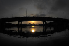 Sunset at Camboriú River (alestaleiro) Tags: sunset ocaso põrdosol entardecer atardecer camborí rio ponte puente bridge bike bicicletas bikes sol sole sun soleil atraversiamo reflection reflejo reflexo reflex gopro brasil brazil camboriú fiume alestaleiro