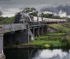 Bridge To Wansford (Paul GF3) Tags: england engine nene valley railway wansford peterborough outdoors railroad railwaystation station steamengine steam steamtrain train bridge water heritagerailway preservation preservedrailway loco locomotive lner no60009 union of south africa streak outdoor