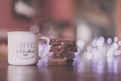 Coffee & brownies (pierfrancescacasadio) Tags: aprile2018 lifeisarainbow coffee brownies coffeebrownies 30042018840a6616 bokeh 50mm moody mug stilllife food flickrfriday lowangle