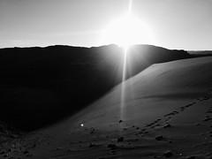 (giovanibr) Tags: chile atacama salar deserto desert sanpedrodeatacama elloa antofagasta valledelaluna valley moon cordillera sal sand formations stones sunset