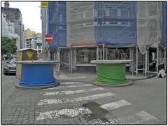 "Belgien, Liège, »Unintentional Streetart« (/RealityScanner/) Tags: belgium belgien liège lüttich reise travel trip vacation dokumentation documentation realität reality wahresleben reallife panasonic lumix gx9 street ""urban scene"" architecture outdoors city ""built structure"" building exterior business modern ""city life"" ""downtown district"" cityscape construction tubes"