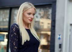 a. (e³°°°) Tags: blonde girl glimlach meisje mademoiselle mädchen model blond lady femme female fille face frau dame portrait portraiture portret pose mechelen modeshow stunning smile sorria sourire sonrisa street
