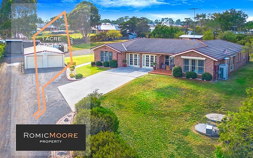 12 Upfield La, Catherine Field NSW 2557