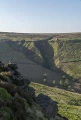 Combs Moss (l4ts) Tags: landscape derbyshire peakdistrict darkpeak combsmoss gritstone gritstoneedge gritstonetors shootingcabin heather moorland