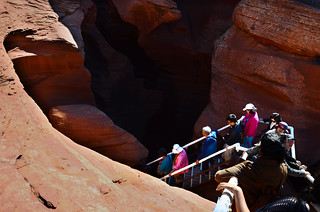 Stepping down to Antelope Canyon : One of the awe-inspiring treasures of the world.