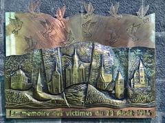 escultura en bronce Homenaje a las victimas de la guerra iglesia interior Colegiata Notre Dame de Dinant Belgica (Rafael Gomez - http://micamara.es) Tags: escultura en bronce homenaje las victimas de la guerra iglesia interior colegiata notre dame dinant belgica valonia bélgica