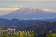 Light of Spring Morning (seiji2012) Tags: 長野県 信州中野 北信五岳 妙高山 朝日 mountain nagano mtmyoukou morning