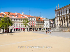 Portugal 2017-9031502 (myobb (David Lopes)) Tags: 2017 allrightsreserved europe portugal alcobaca architecture balcony buildingexterior copyrighted day incidentalpeople outdoor outdoors plaza tourism touristattraction townsquare traveldestination vacation ©2017davidlopes