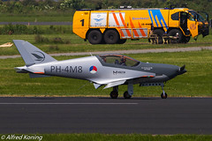 IMG_6027-bewerkt.jpg (Alfred Koning) Tags: blackshapeprime ehlwleeuwarden locatie nederland ph4m8 vliegtuigen