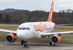 EasyJet A319-100 G-EZEB (birrlad) Tags: edinburgh edi international airport scotland aircraft aviation airplane airplanes airline airliner airlines airways easyjet airbus departing departure runway taxi taxiway a319 a319100 a319111 gezeb