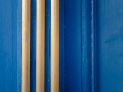 3 stripes | P2250007 (mkreibohm) Tags: door blue gold texture wood paint painted adidas brand stripes parallel lines geometry minimal minimalism minimalist street detail closeup color pattern abstract olympus omdem1 micro43 microfourthirds