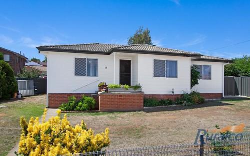 18 Griffin Avenue, Tamworth NSW