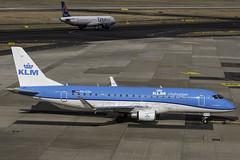 PH-EXH_DUS_Pushback (MAB757200) Tags: klmcityhopper erj175 phexh aircraft airplane airlines jetliner embraer erj dus flughafendusseldorf eddl