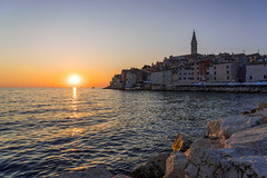 Rovinj - Istrien - Kroation (Tobi Becq) Tags: rovinj istria istrien kroatien croatia beach cityscape meer strand mole sea