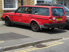 1988 Volvo 240 DL (Neil's classics) Tags: vehicle 1988 volvo 240dl wagon estate
