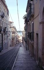 LIS Street 6 (carles.ml) Tags: olympus trip35 agfa vista plus400 film 35mm street people lisboa lisbon