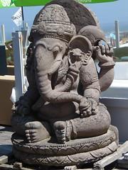 Statue (L'oncle Pix Zoom) Tags: statue éléphant pierre indien hindou dieu