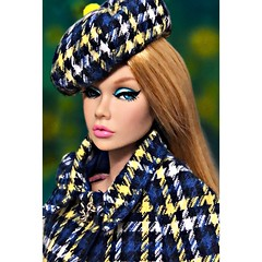 A girl should be two things: Classy and Fabulous - Coco Chanel (duckhoa_le) Tags: poppy parker chic blonde fashion royalty integrity toys doll dolls photography young sophisticate fair long hair makeup screening positively plaid w club lottery paris bon bonjour japan skintone barbie chanel art