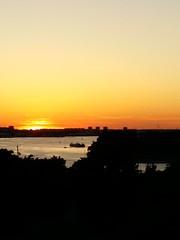 Sonnenuntergang in Rostock (krutzimuc) Tags: germany deutschland mecklenburgvorpommern abend outdoor ostsee sonnenuntergang wasser meer stimmung dämmerung skyline bucht himmel